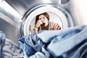 How To Wash Smelly Athletic Clothes